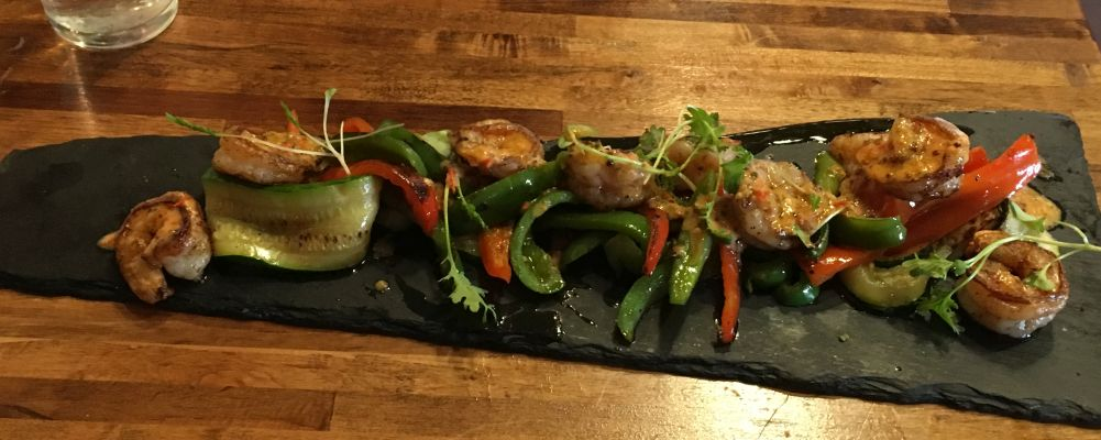 Seared shrimp and peppers